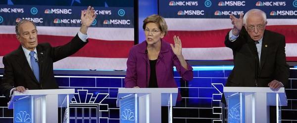 Bloomberg, Warren en Sanders tijdens het Democratische debat in Nevada (foto: Reuters)