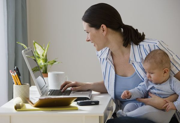 How to Write a Resume for Stay-at-Home Moms and Dads