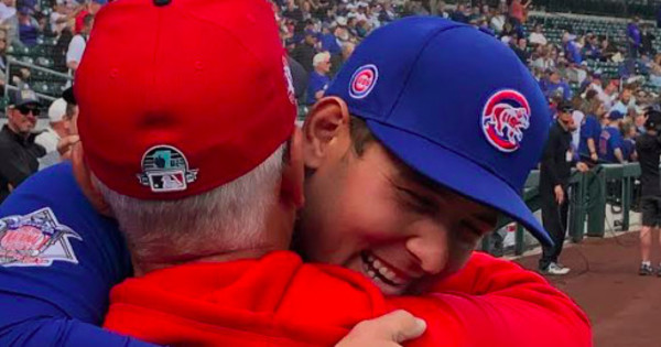 Embrace the target: Hugs, ovations greet Angels' Joe Maddon in Cubs spring homecoming