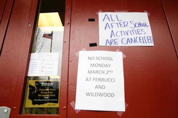 Verschillende scholen in de staat Washington gingen tijdelijk dicht voor een grondige schoonmaakbeurt (foto: Reuters)