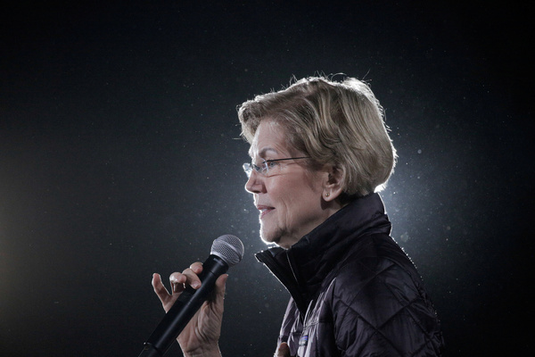 Elizabeth Warren trok zich donderdag terug uit de race  (foto: Reuters)