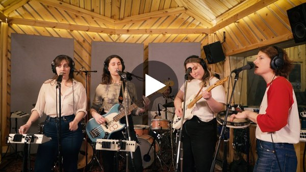 "U.S. Girls - ""4 American Dollars"" (Live from The Bunker Studios)"