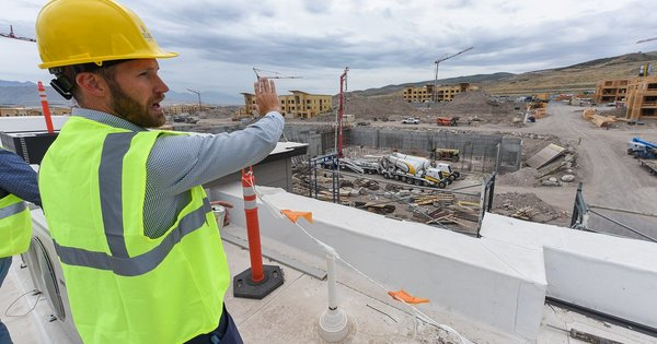 Salt Lake City to building developers: Go electric