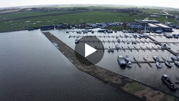 LEIMUIDEN - Kempers Watersport drone fly-by (video)