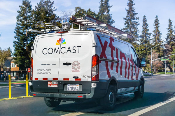 Comcast suspends data caps, makes Xfinity WiFi free for 60 days