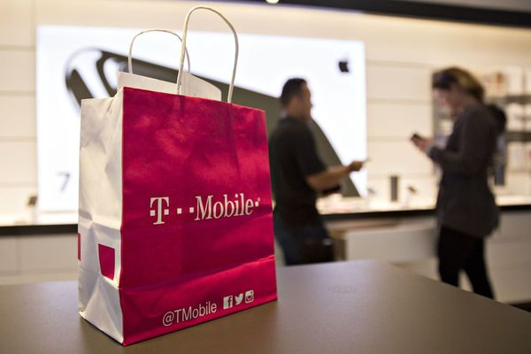 T-Mobile to Temporarily Close Indoor Mall Stores From Monday