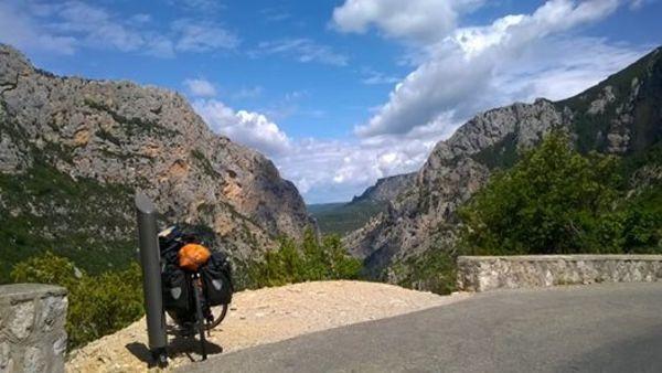 Prendere il ritmo per esplorare il mondo in bicicletta
