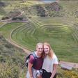 Backpackende vriendinnen vast in Peru