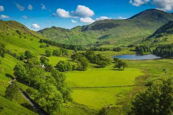 Virtual escapes: Britain's most beautiful spring hills