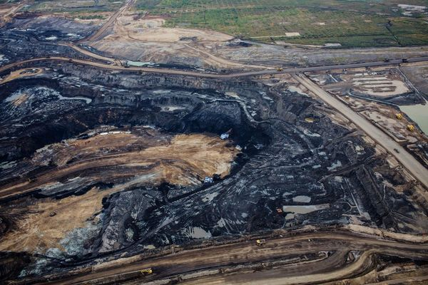 Massive new mine could be oil-sands' first big price war victim