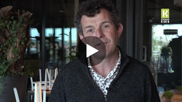 WOUBRUGGE - Restaurant De Dyck wil geen groenten weggooien en laat gasten thuis koken met producten uit eigen moestuin (video)
