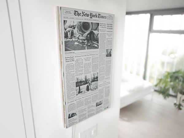 WANTS! 'Paper', prototype e-ink display that shows today's front page: https://onezero.medium.com/the-morning-paper-revisited-35b407822494