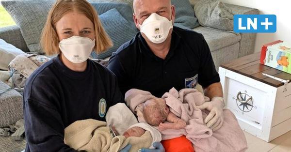 Osterüberraschung: Notfallsanitäter leisten Geburtshilfe im Doppelpack
