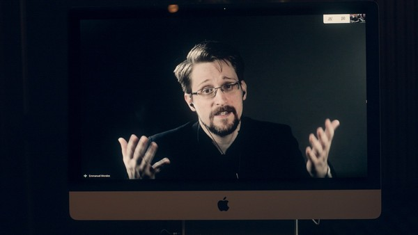 Snowden Warns Governments Are Using Coronavirus to Build 'the Architecture of Oppression' - VICE