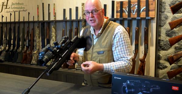 LEIMUIDEN - Review van de nieuwe Pulsar Digex N455 met restlicht richtkijker door Jachthuis Leimuiden. (video)