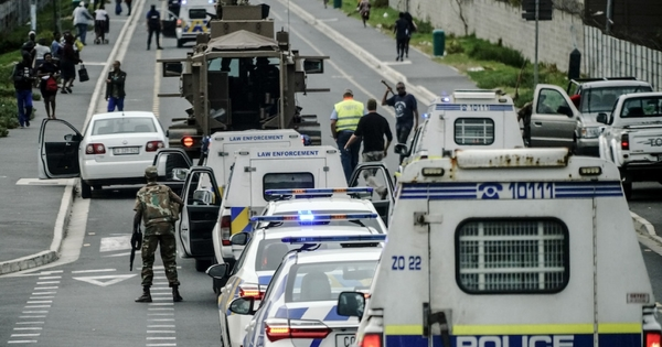 Professor Karim says SA lockdown may continue | eNCA