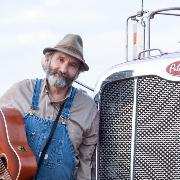 Paul Marhoefer, amerikansk langturschauffør og vært på Over the Road. Foto: Radiotopia/PRX