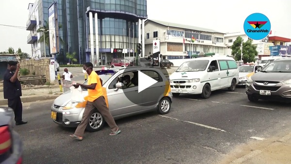 Lockdown: How a taxi driver tricked the police at checkpoint