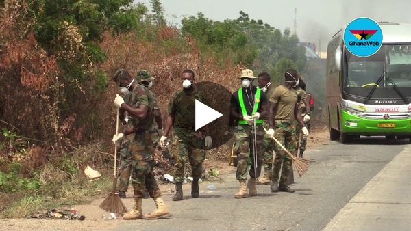 Ghana Armed Forces, Zoomlion, others clean streets of Accra amidst lockdown