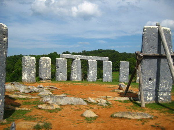 There Are a Lot of Quirky Henges Around the United States - Atlas Obscura Lists