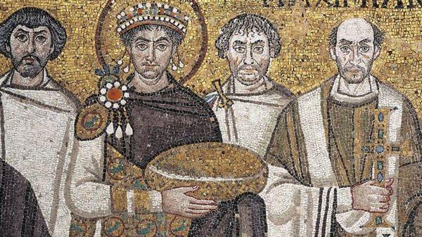 bizans imparatoru I. jüstinyen (soldan ikinci)