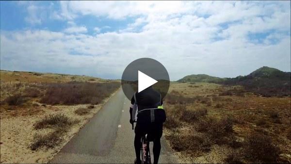 GEMEENTE - Netjes anderhalvemeter-wielrennen via Kaag en Braassem naar Zandvoort en Den Haag. (video)