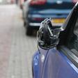 Autospiegels vernield