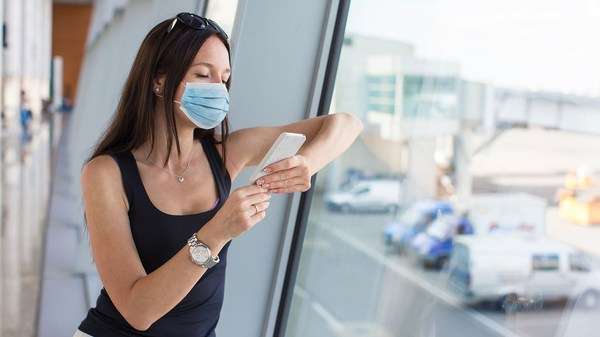 Airlines pressured to require passengers to wear masks: