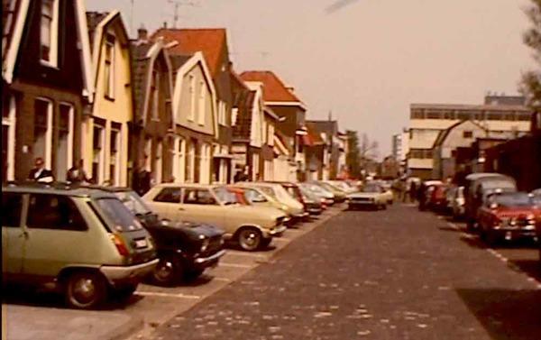 Een touwtje uit de brievenbus (filmpje: Zaandam, Oud-West 1976)   De Orkaan