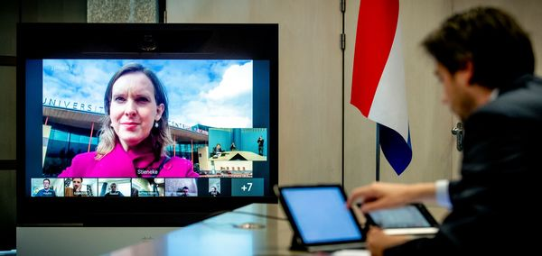 Stieneke van der Graaf (ChristenUnie) van de Tweede Kamercommissie van Europese Zaken is tijdens een procedurevergadering te zien op een beeldscherm in de Tweede Kame