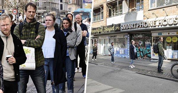 Un photographe prend des photos de personnes en public sous 2 angles et montre à quel point les médias peuvent facilement manipuler la réalité