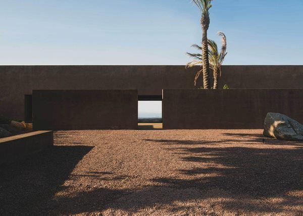 Villa RA by MORQ