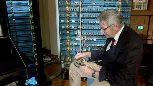 Geschichte im Ersten: Digitale Verlustzone - Wie Deutschland den Anschluss verlor   Video der Sendung vom 25.05.2020 21:30 Uhr (25.5.2020) mit Untertitel