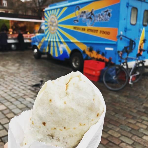 Sicher verpackt in Teig ist die leckere Füllung des Burrito.               Foto: Saskia Kirf