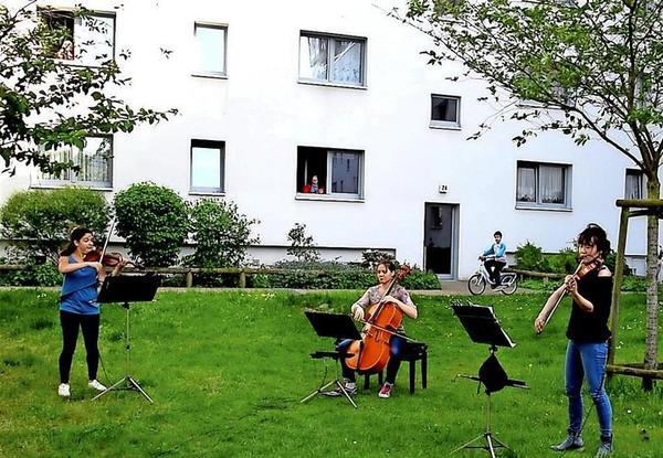 Musiker der Kammerakademie beim Hofkonzert in Drewitz. Quelle: KAP