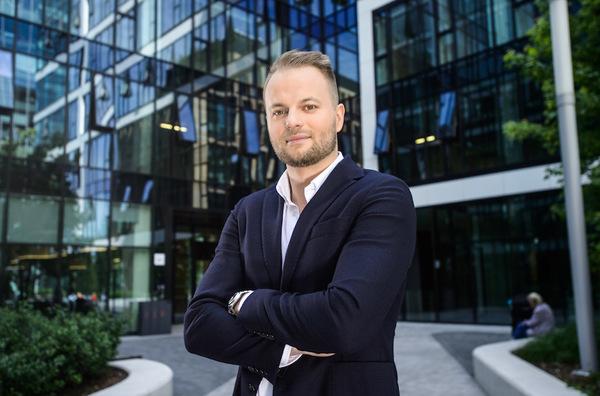 Wywiad z Karolem Sadajem, Country Manager Revoluta w Polsce