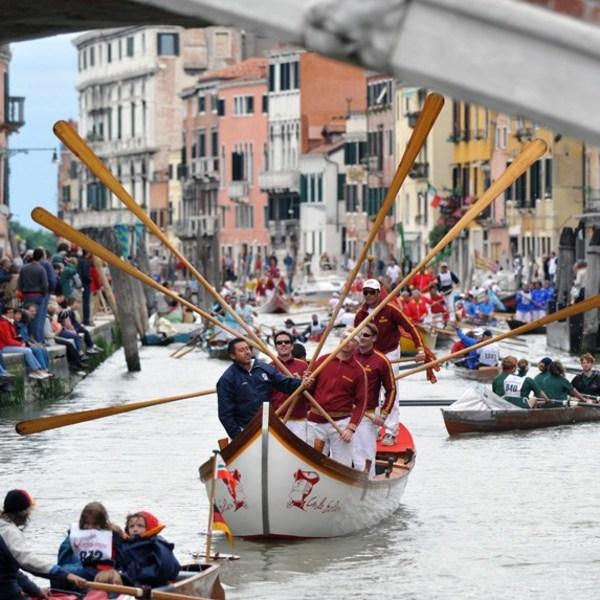 Wobbly roads of Venice