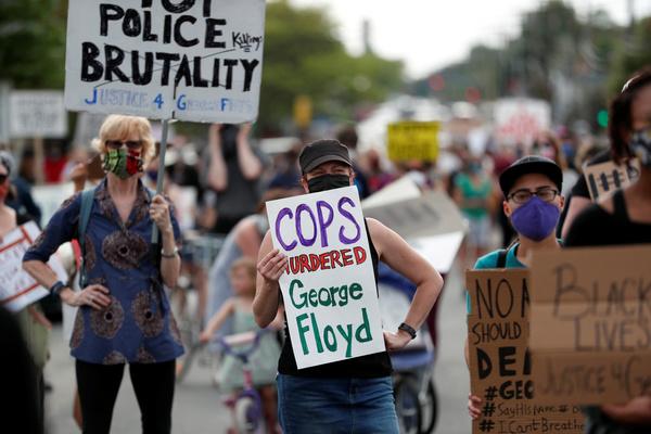 Protesten in Minneapolis na de dood van George Floyd (foto: Reuters)
