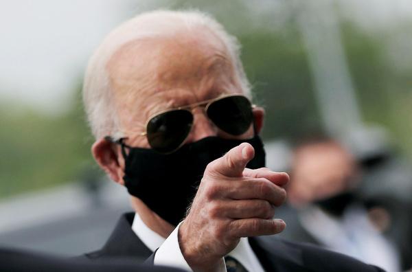 Joe Biden op Memorial Day (foto: Reuters)