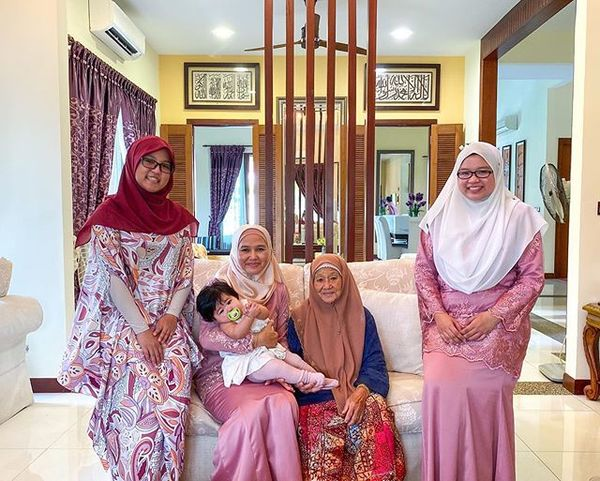 Sending you lots of love during this festive CovEID period, from 4 generation of women/girl in the Salleh clan. <3