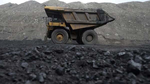 Most India coal plants may miss emission deadline, study says