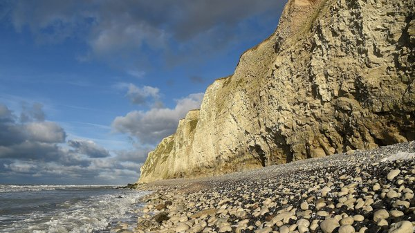 Cap-Blanc-Nez : cinquante mètres de falaise se sont effondrés - 50 meter steen breekt los van klif
