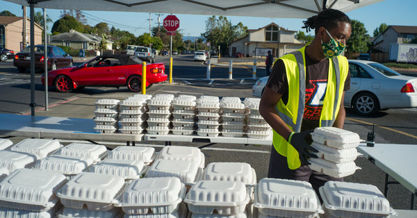 2,000 Free Meals a Night, Seasoned by Silicon Valley Chefs