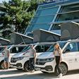 Fahrzeugübergabe - Surf-Profis erhalten in der Autostadt neue Camper