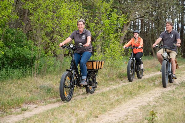 Mit dem E-Fatbike durch die Heide. Foto: Henry Mundt