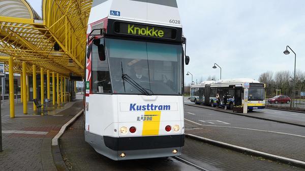 De nouveaux tramways côtiers se profilent pour la liaison De Panne-Knokke - Nieuwe kusttram loopt van de band