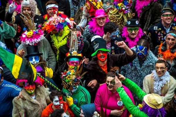 Carnaval de Dunkerque: les associations en difficulté financière - Carnavalverenigingen in moeilijke papieren