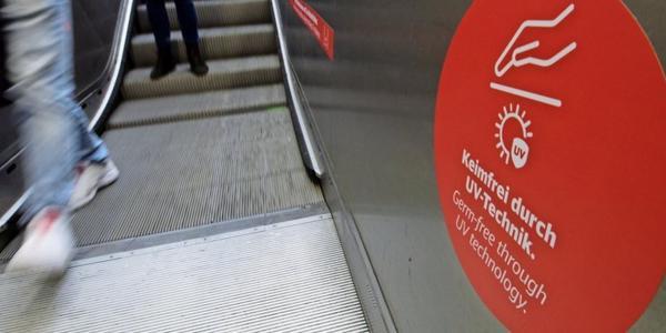 Schutz vor Corona: Bahn testet im Dresdner Hauptbahnhof Reinigung mit UV-Licht
