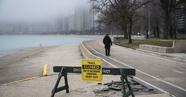 Bars, breweries can reopen Wednesday for outdoor service; Lakefront Trail to reopen June 22