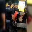 Il video del rider arrestato sabato a Milano
